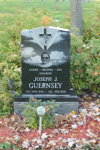 guernsey-monunent